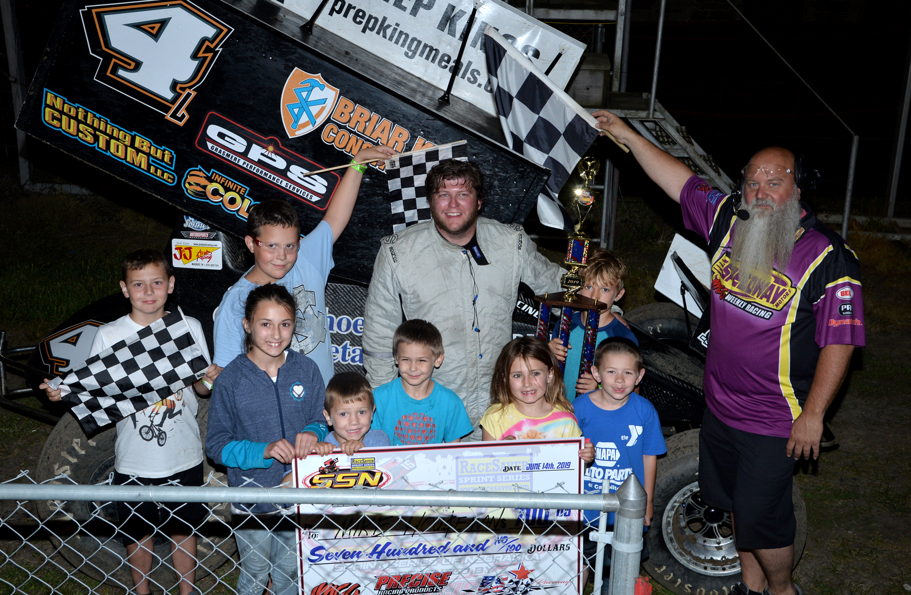 Mike Houseman conquers Sprint Series of Nebraska Feature at US 36 Raceway